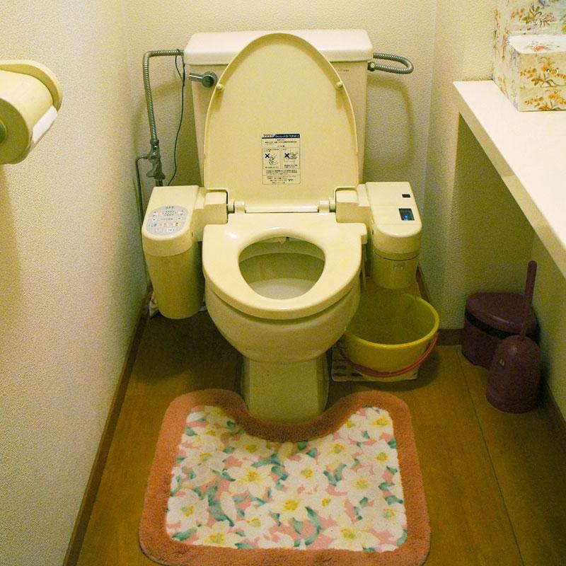 トイレ(前)